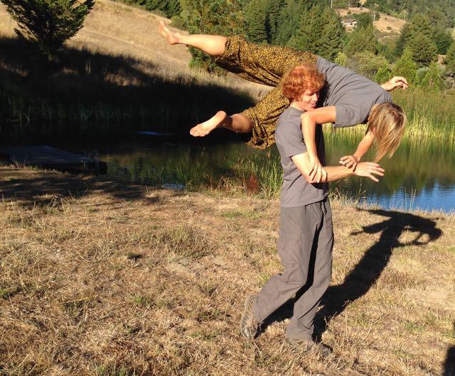 Mouvements/Danse Impro, contact impro, chaque vendredi àMENS